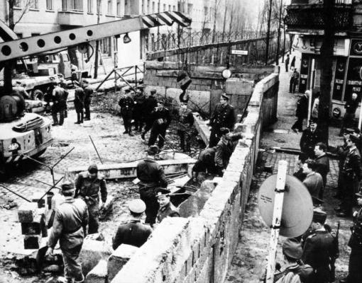 Constructia Zidului Berlinului 1961
