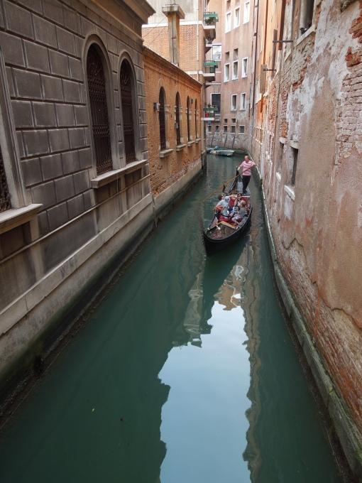 Gondola in drum spre cer