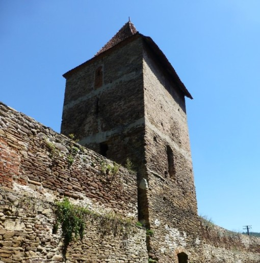 biserica-fortificata-valchid